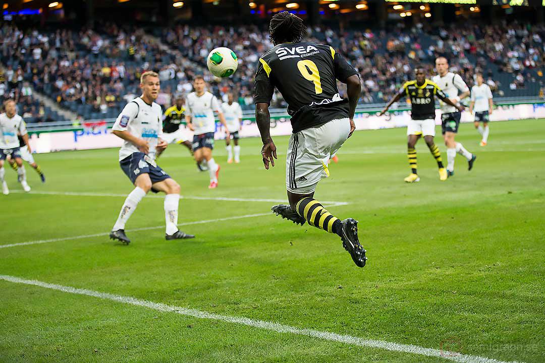 AIK Martin Mutumba har lekstuga med Gefle