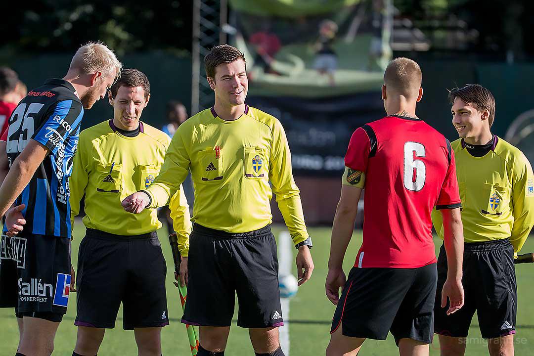 Domartrion  Jesper Ekwall, Daniel Kudrén samt Richard Holöien singlar slant med Sirius Carl Nyström och Vasalund Jens Jacobsson