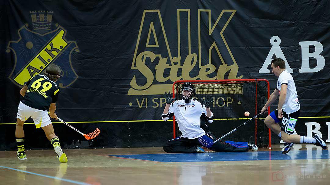 AIK Kevin Björkström gör mål bakom Sirius målvakt Petter Nilsson