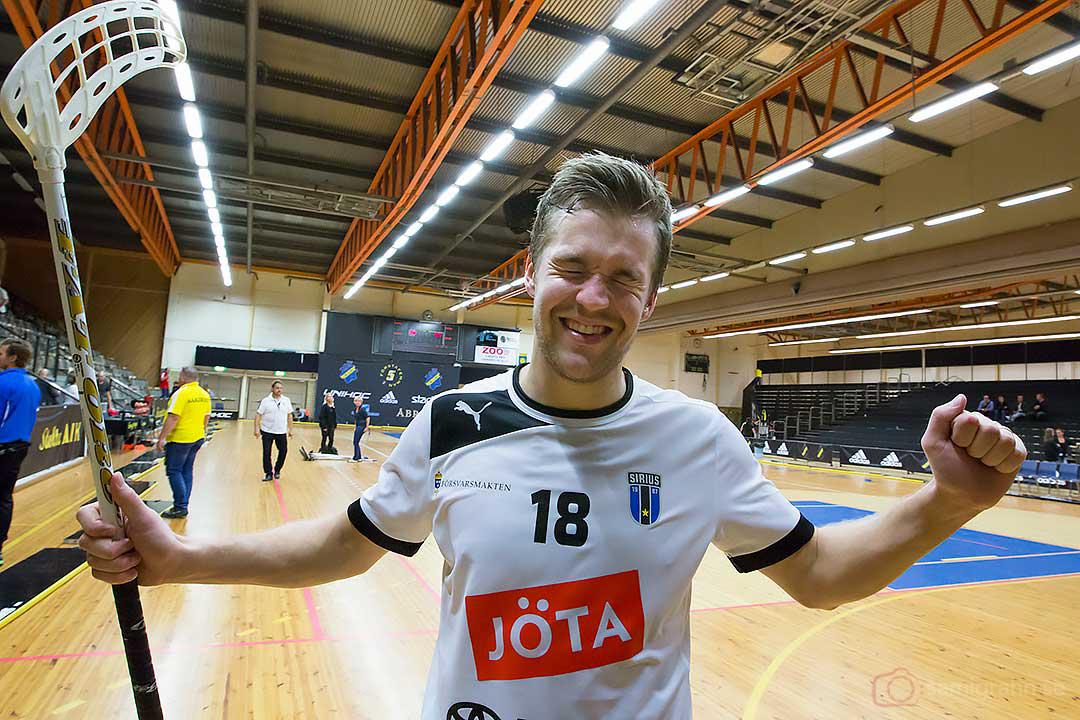 Sirius Martin Bengtsson glad efter premiärsegern