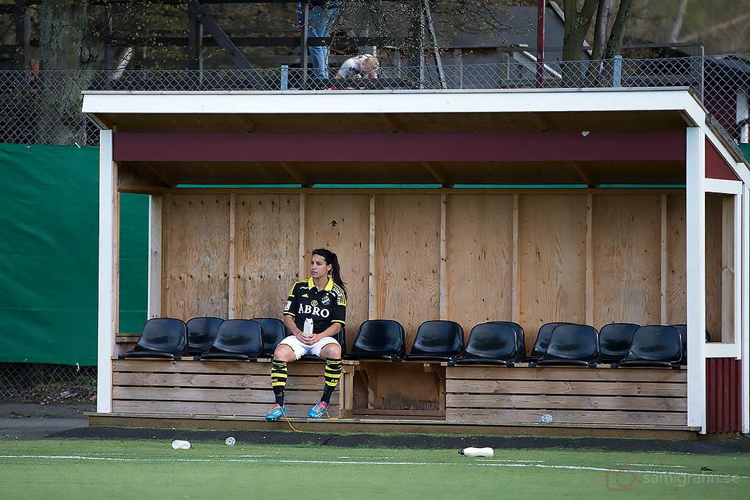 AIK Jessy Sharro deppar efter ännu en förlust, och inga mål framåt