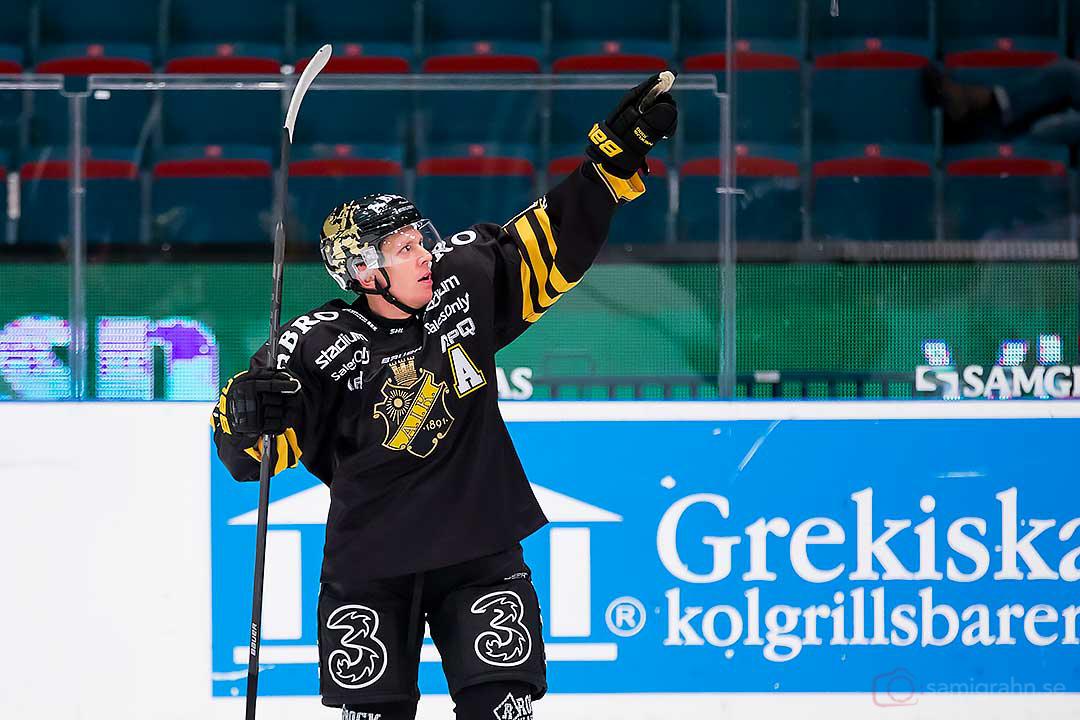 AIK Jonas Liwing är glad efter sitt mål