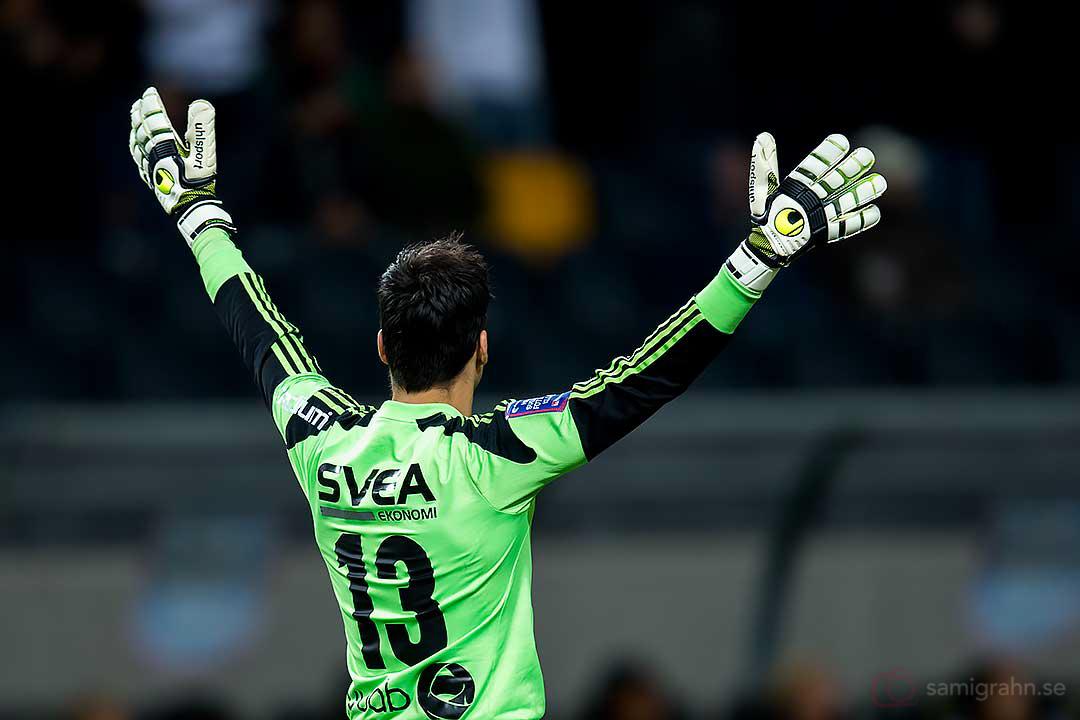 AIK målvakt Kyriakos Stamatopoulo firar 1-0-målet