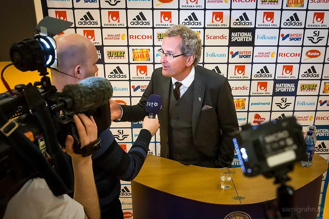 Erik Hamrén ger intervju till SVT Sporten