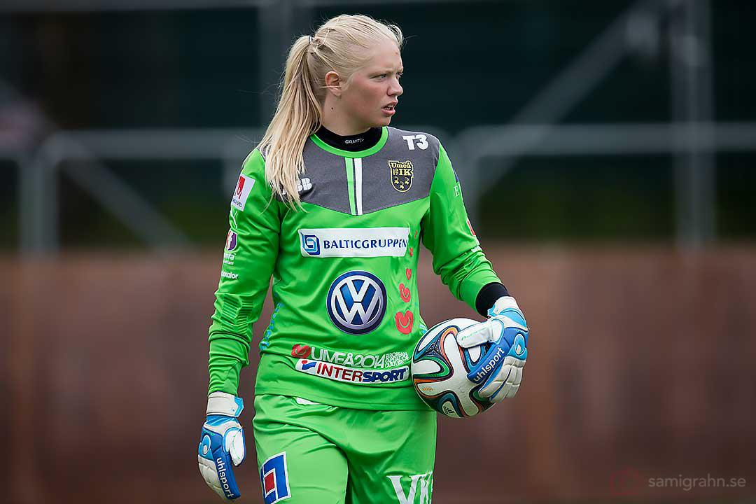 Umeå målvakt Malin Reuterwall höll bollen och nollan