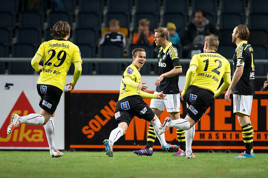 Jubel när Mjällby Andreas Blomqvist gör matchens första mål