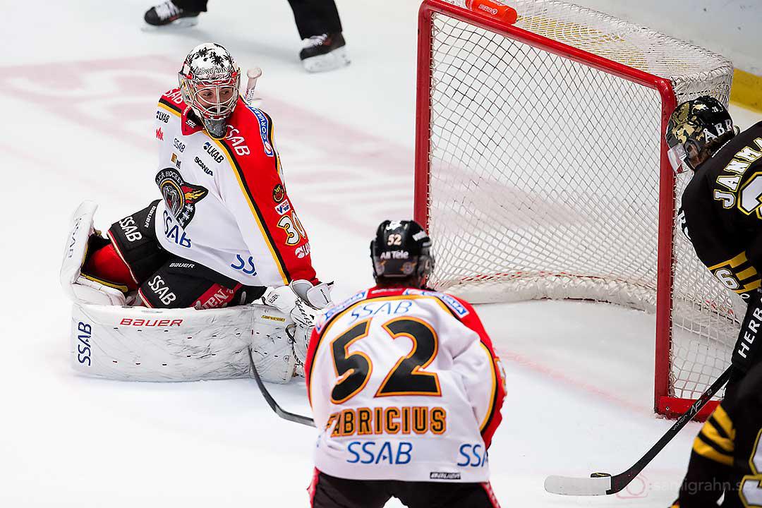 Kvitterat till 1-1 av AIK Mattias Janmark Nylén bakom Luleå målvakt Daniel Bellissimo