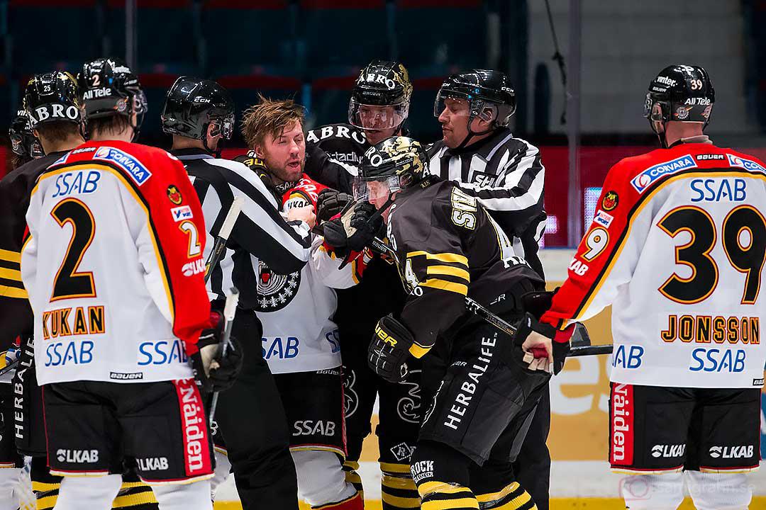 Slagsmål mellan Luleå Per Ledin och AIK Fredrik Svensson