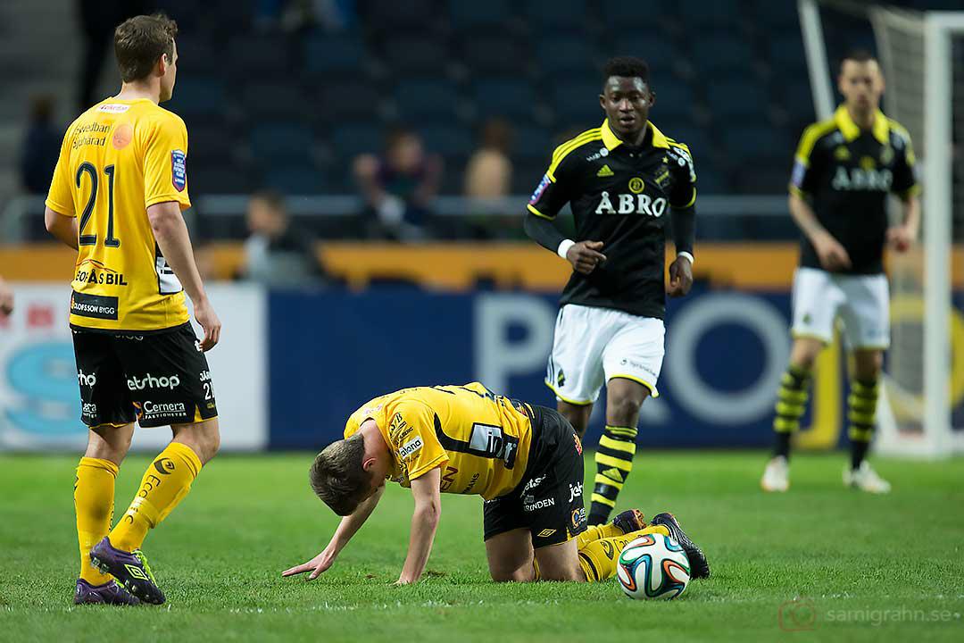 Elfsborg Henning Hauger och Elfsborg Adam Lundqvist deppar över förlusten