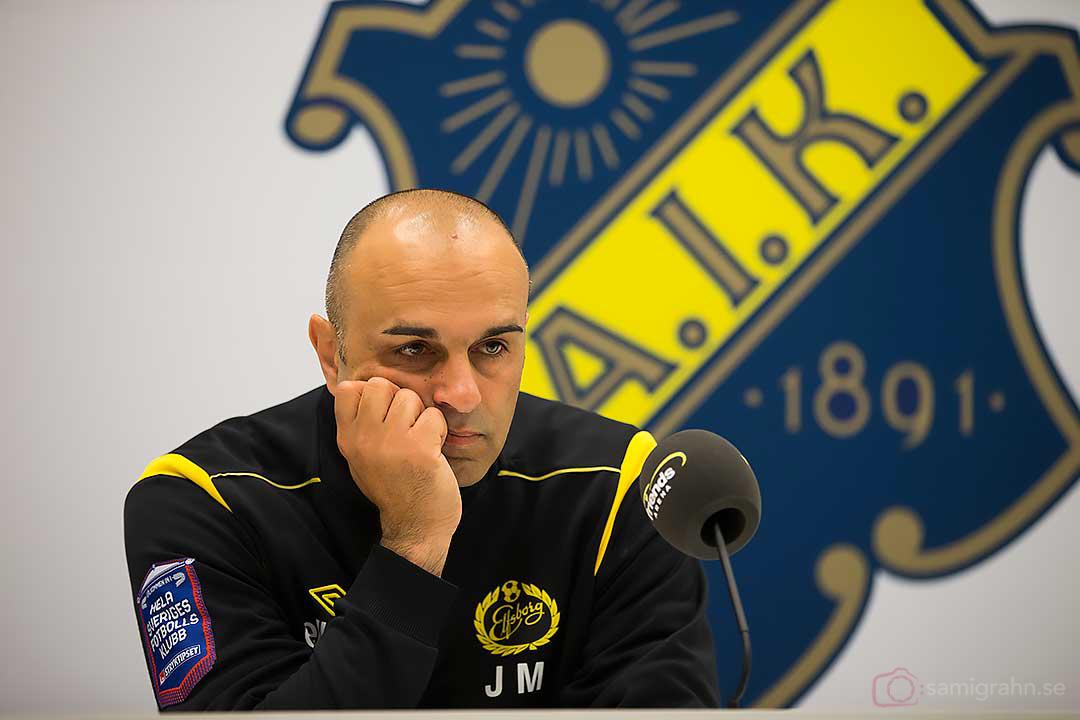 Elfsborg tränare Jan Mian har lite att fundera på till söndagens final i Svenska Cupen