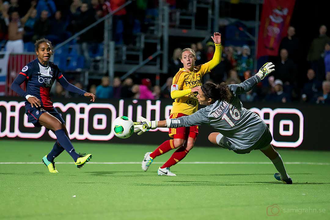 Bollen förbi PSG Karima Benameur till Tyresöledning 2-1