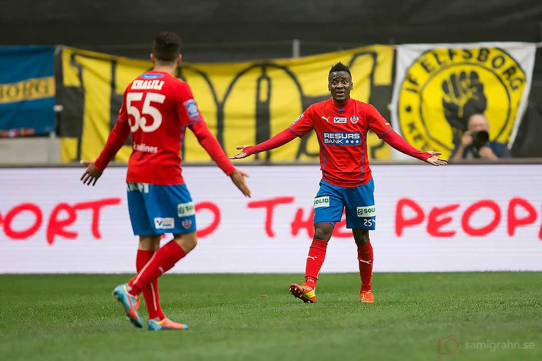 Helsingborg Abdul Khalili och David Accam är oeniga om hur kantspelet ska gå till