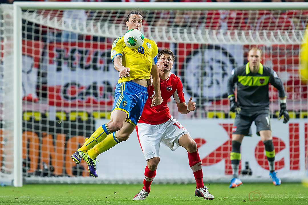 Sverige Zlatan Ibrahimovic och Österrike Sebastian Prödl
