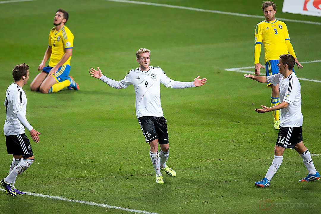 2-4 mål av Tyskland André Schürrle, medan Sverige deppar