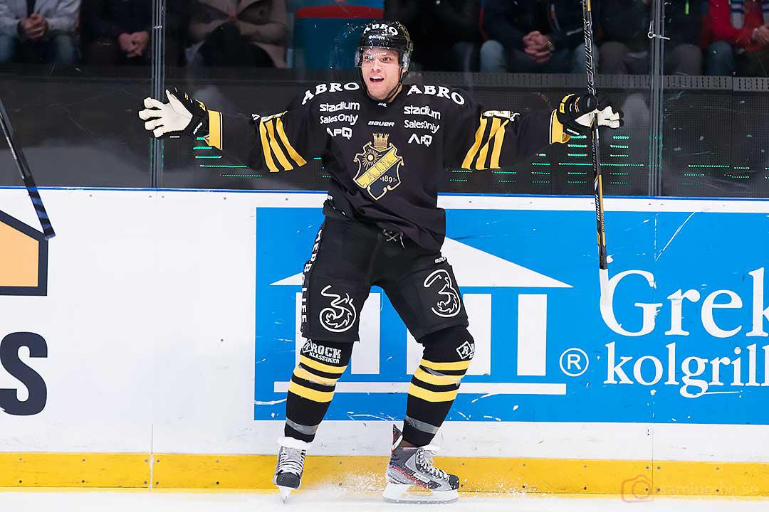 Glad 1-0-målskytt AIK Derek Joslin