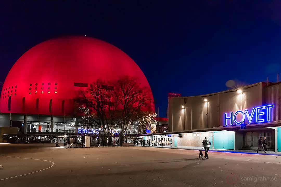Globen och Hovet i kvällsljus