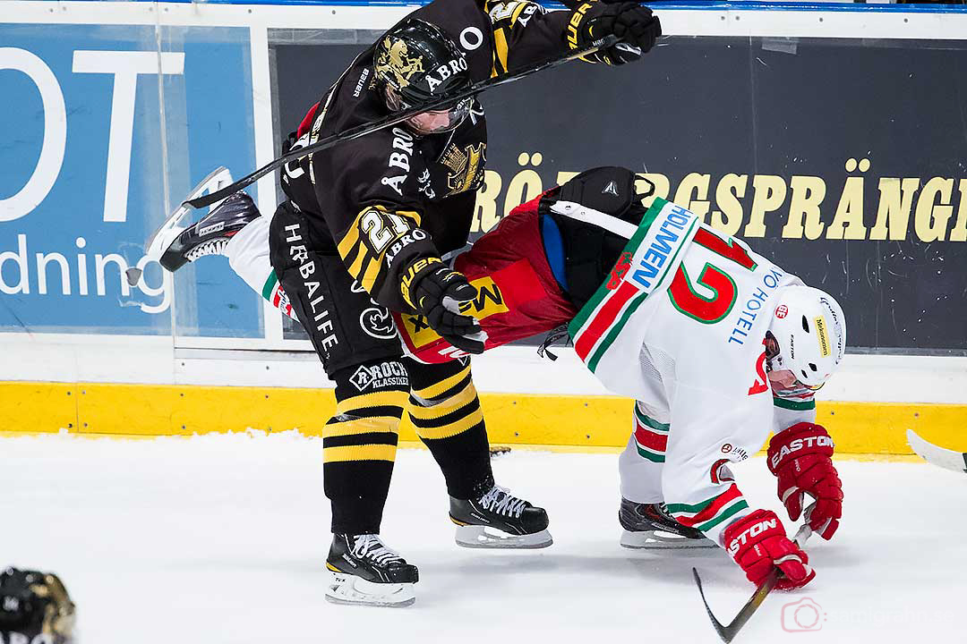 AIK Christian Sandberg står, Modo Dave Spina faller