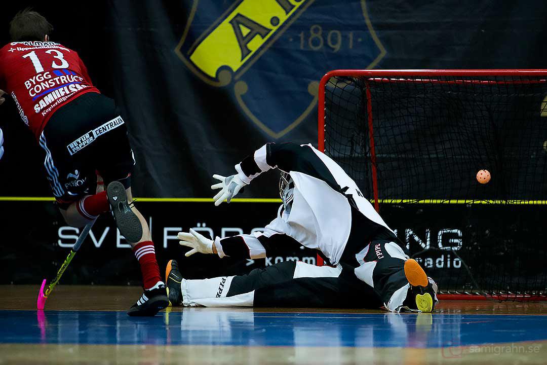 Ännu ett AIK-mål bakom Storvreta målvakt Viktor Klintsten