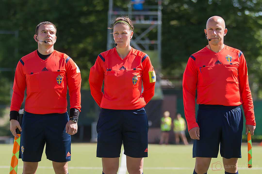 Domarna Dragan Markulic, Annika Andric och Ulf Wiberg