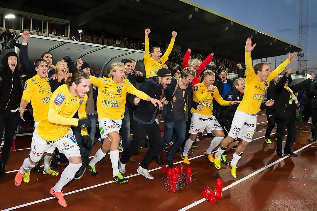 Falkenberg jublar när avancemanget till Allsvenskan är klart