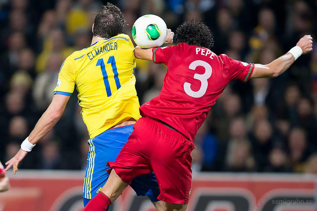 Sverige Johan Elmander och Portugal Pepe
