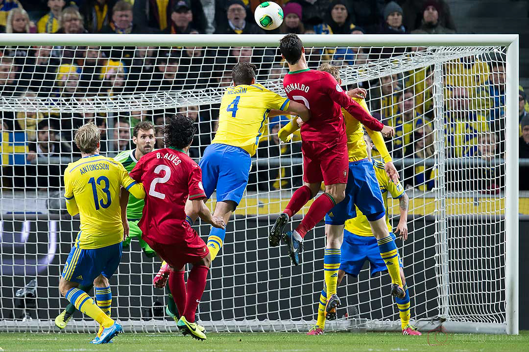 Portugal Cristiano Ronaldo utmanar Sverige Andreas Isaksson