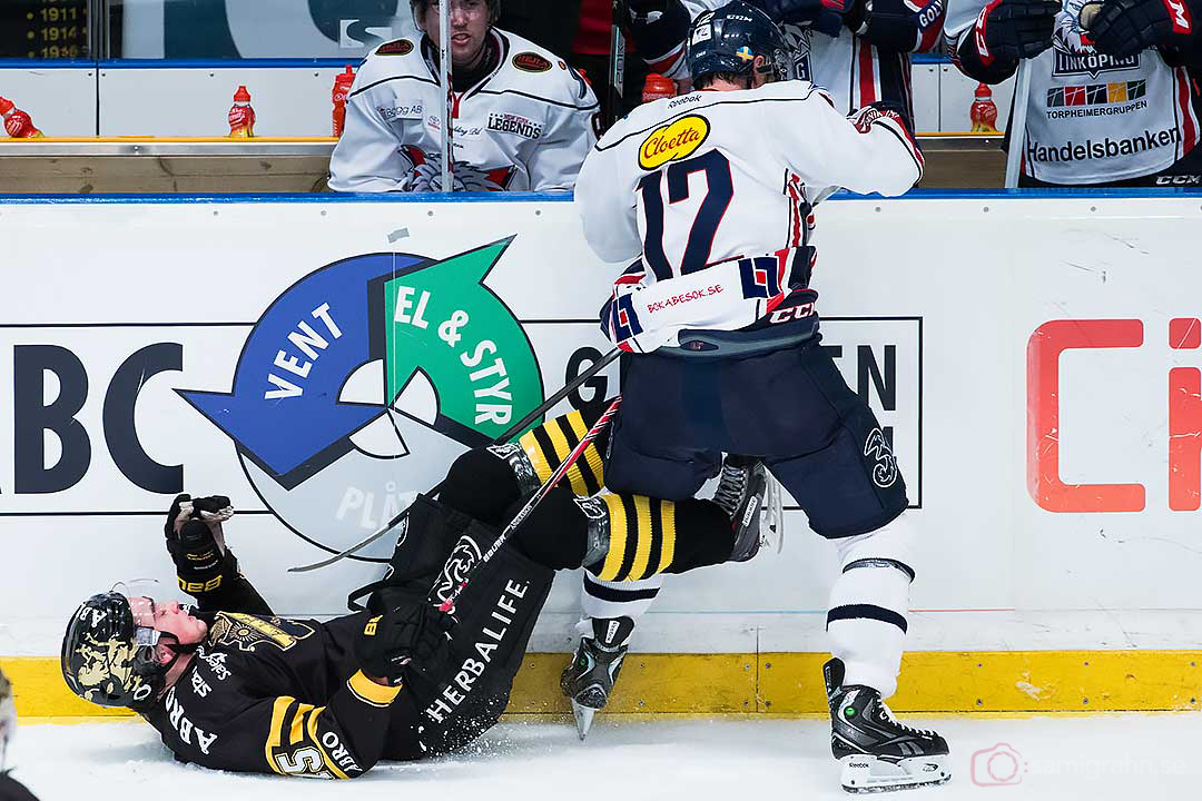 Linköping Sebastian Karlsson vänder upp och ned på AIK Jonathan Andersson