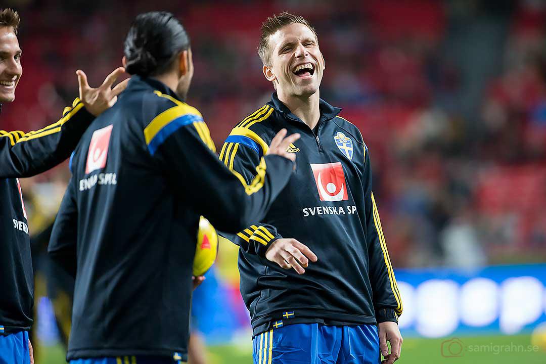 Sverige Anders Svensson skrattar gott före matchen