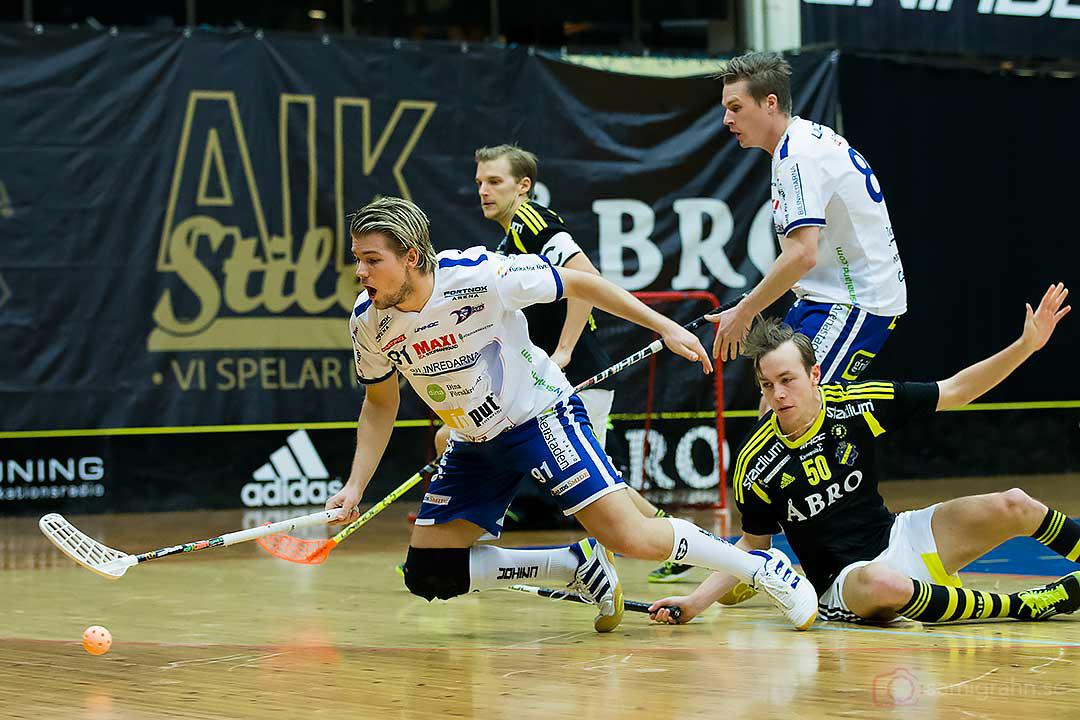Växjö Christopher Holmér faller efter AIK Erik Andersson